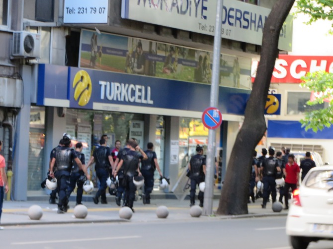 There were about 40-50 riot police (most of the them turned the left corner)