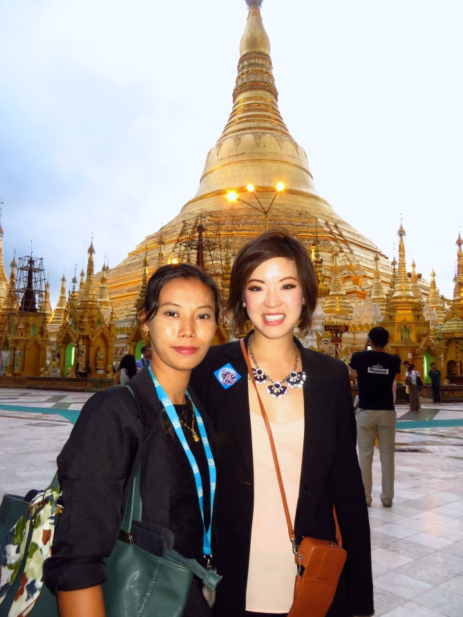 Me and a beautiful friend at Schwedagon Pagoda