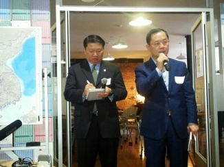 [Left] Henry Song, an incredible Korean-American translating for Mr. Kim. [Right] Mr. Kim Heung Kwang (Executive Director of North Korea Intellectual Solidarity) introducing himself.